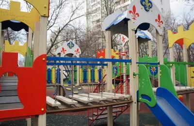 Детская площадка Бакинская улица
