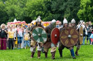 Коллективы из 15 стран мира выступят на фестивале славянского искусства «Русское поле»