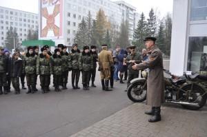 Будущим призывникам из ЮАО рассказали про армейские будни и познакомили с солдатским бытом