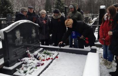 Управа района Царицыно и молодежная палата организовали памятную акцию в честь ветеранов битвы под Москвой