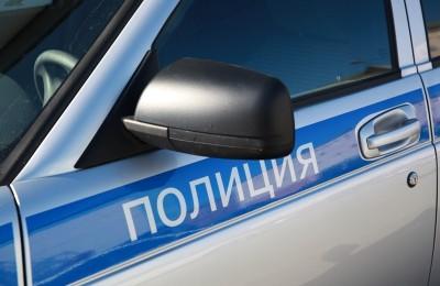 Экипажем автопатруля ОМВД России по району Царицыно на улице Севанская был задержан подозреваемый