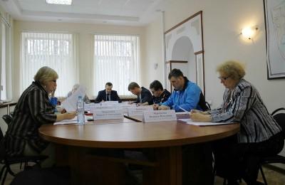 На фото участники прошедшего заседание Совета депутатов муниципального округа Царицыно