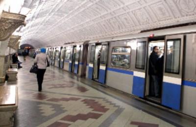 Поезда в рамках акции «Портрет в метро» запустят в мае 2016 года на Кольцевой линии