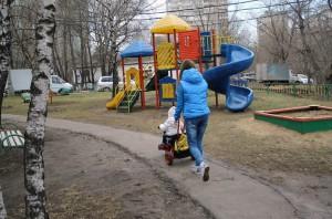 На фото детская площадка на Бакинской улице