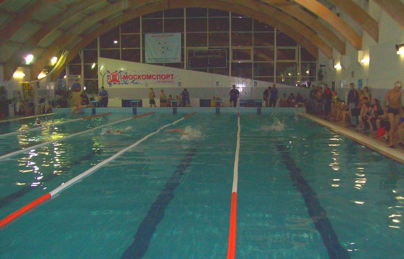 Пловцы изМоскворечья-Сабурова победили втурнире спартакиады «Мир равных возможностей»