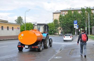 В районе Царицыно проведут дополнительное увлажнение дорог