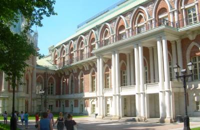 "Дворец в музее-заповеднике ""Царицыно"""
