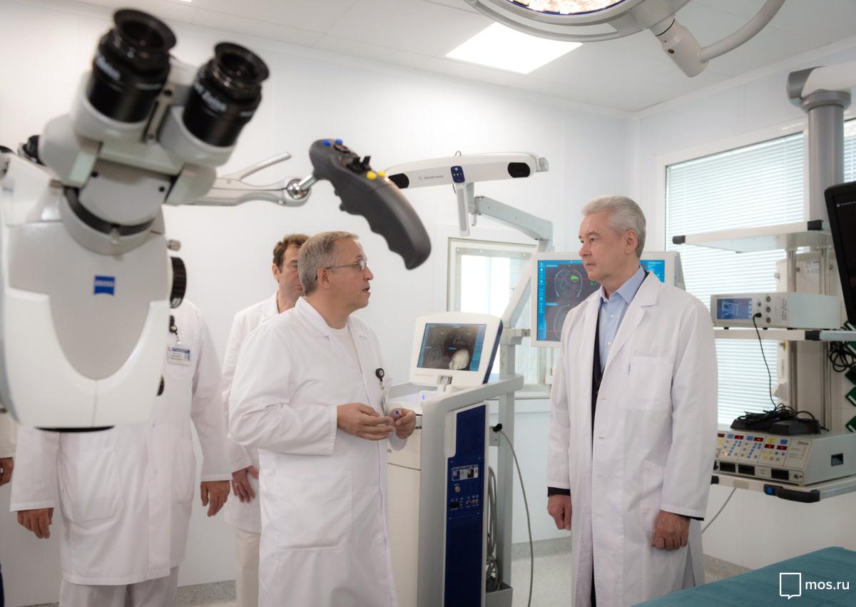 Собянин лично поблагодарил врачей больницы им.Сперанского запрофессиональный подвиг