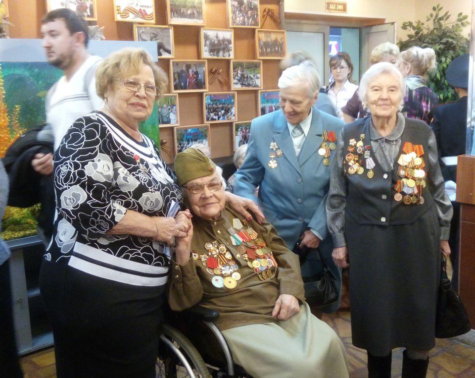 Ветеранам района Аэропорт вручили памятные медали