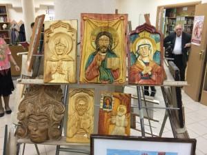 Выставка декоративно–прикладного искусства и живописи в библиотеке №139