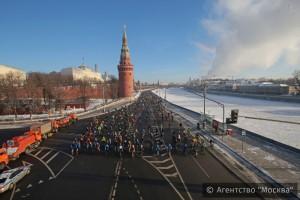 Свыше 500 москвичей приняли участие во втором столичном зимнем велопараде