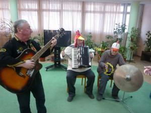 Литературно-музыкальный праздничный вечер в библиотеке №154