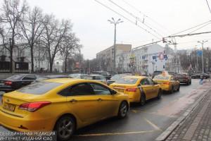 В Москве цена поездки на такси снизилась почти на треть за несколько лет