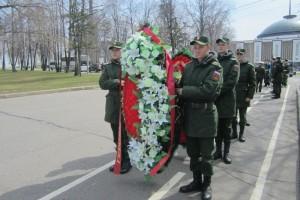 Студенты района возложили венки и цветы на годовщину катастрофы на ЧАЭС