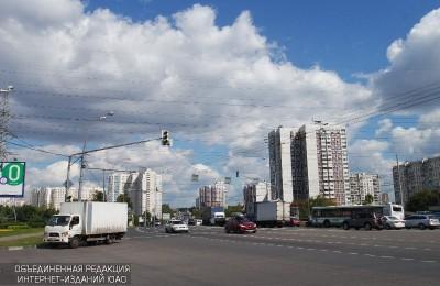 Движение на Кантемировской улице ограничено по 30 марта 2018 года
