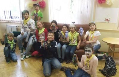 На занятиях в кружке «Самоделкин» дети делали осьминогов