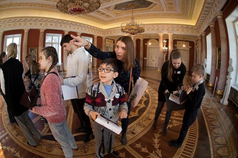 Государственный музей-заповедник «Царицыно», программа «Добро пожаловать во дворец», экскурсия, фонд «Искусство быть рядом», проект «Арт продленка: терапия и инклюзия», расстройства аутистического спектра, РАС, конкурс Грантов Мэра Москвы, аутизм