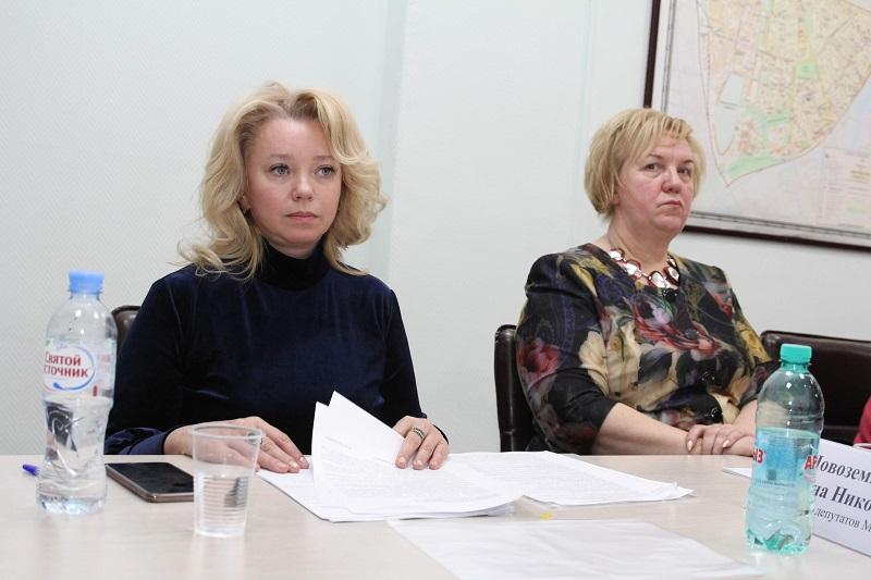 Депутаты заслушали отчет главного врача стоматологической поликлиники № 62 о работе в 2018 году