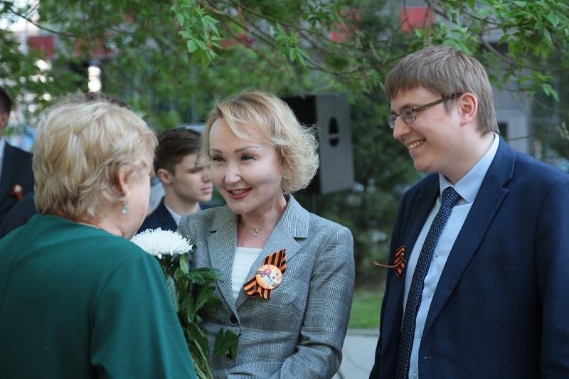 Елена Самышина: поклонимся великим тем годам
