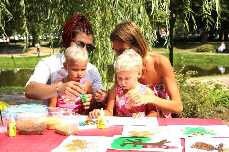 Свежесть лета: многодетные семьи Царицына приняли участие в ярком городском фестивале