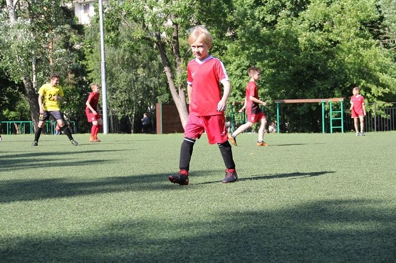 Товарищеский матч по футболу прошел в Царицыно