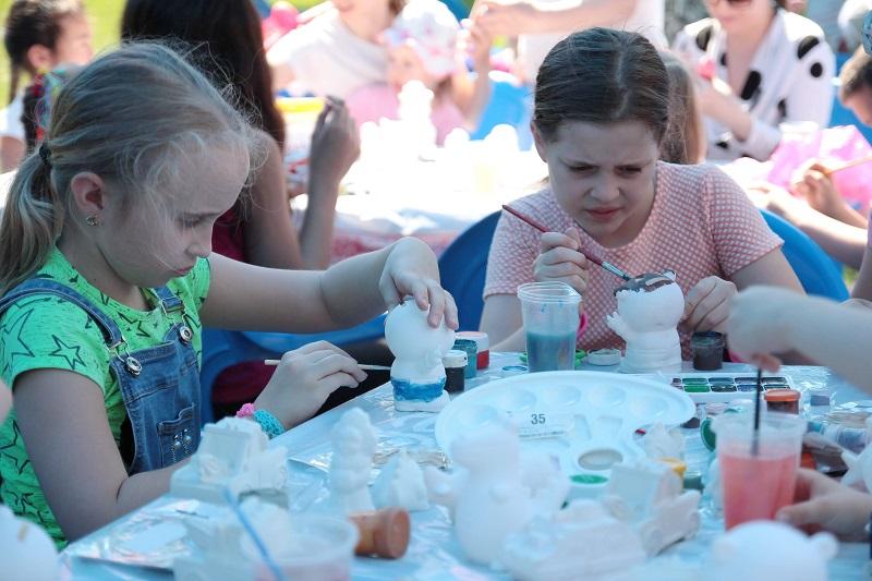 Творческий подход: в школе им. Н. Рушевой нашли способ еще крепче сплотить семьи