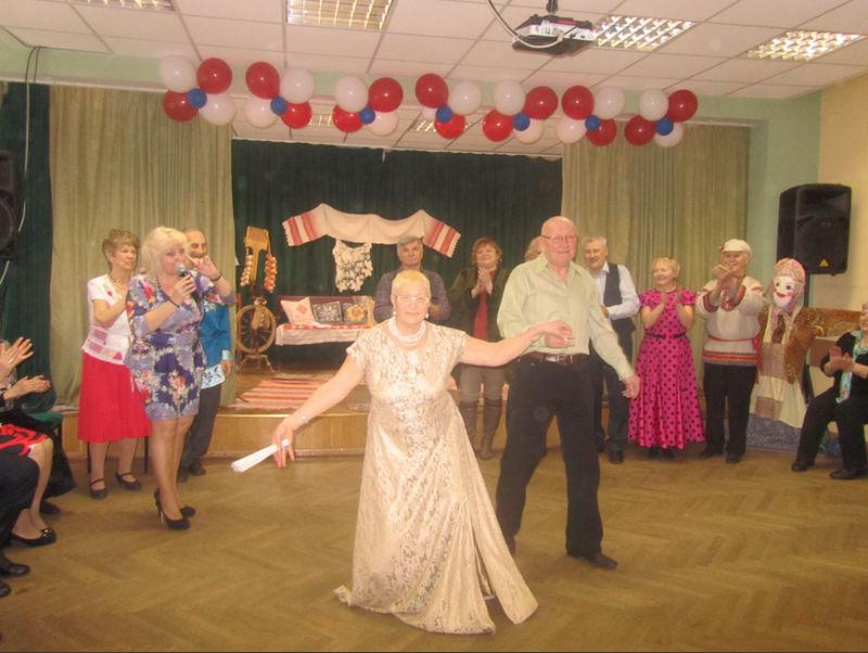 Участников «Московского долголетия» приглашают на фееричный танцевальный фестиваль