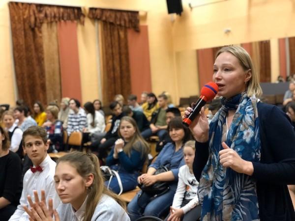 Галина Щербакова, Алина Шарафутдинова, школа 904, КВН