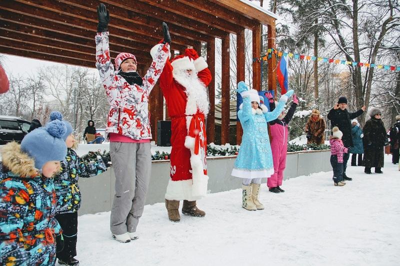 Центр досуга «Личность», Михаил Мартынов, парк «Сосенки», Новый год, елка главы управы